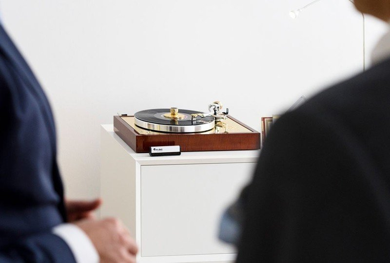 175 The Vienna Philharmonic Recordplayer (Ortofon 175) Dark Cello