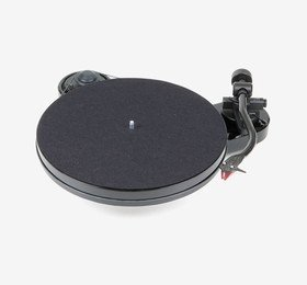 RPM 1 Carbon (2M Red) Piano Pro-Ject