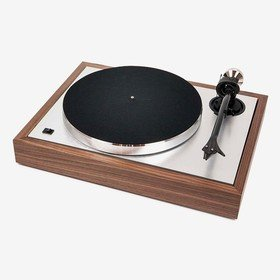 The Classic (2M Silver) Walnut Pro-Ject