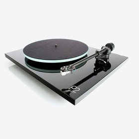 Planar 2 (Carbon) Black Rega